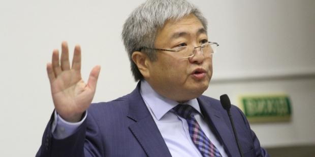 Запорожский мэр Александр Син одобряет право Президента распускать местные советы