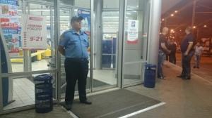 В Харькове ночью в супермаркете был застрелен человек