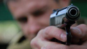 В Запорожье обстреляли машину, которая привезла питание в детские сады
