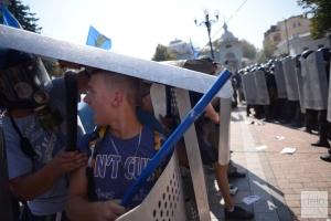 Аваков-Тягнибоку: Вы привели с собой под Раду подонков