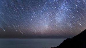 Сегодня ночью каждый час будут падать сотни метеоритов