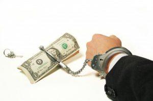 Ирония судьбы: мошенник требовал взятку от налоговика