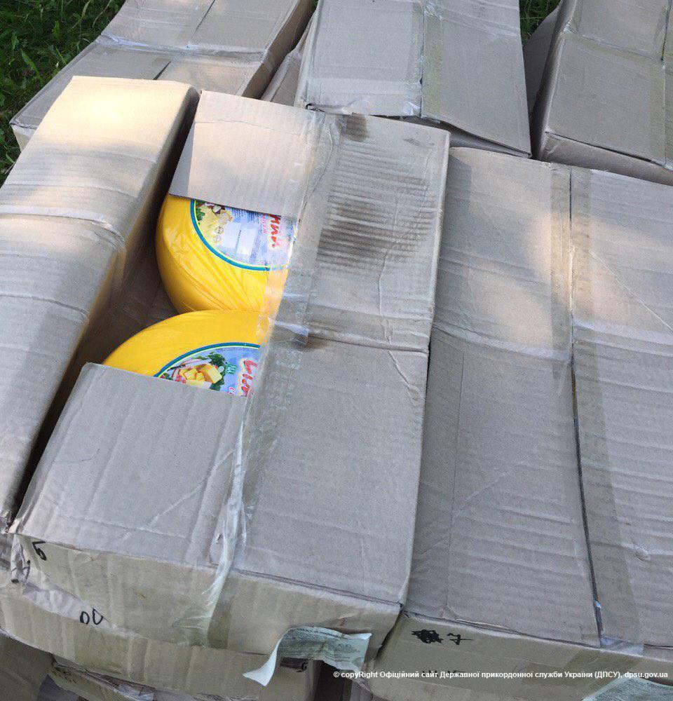 Пограничники задержали молодого человека, который пытался вывезти в Россию полтонны сыра