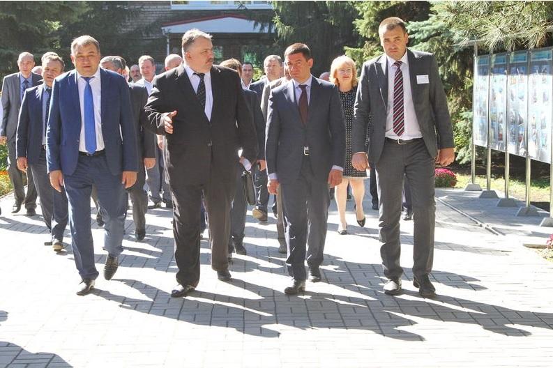 Столичные чиновники наобещали запорожскому заводу «золотые» горы