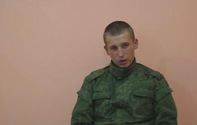 В сети появилось видео допроса задержанных военных РФ