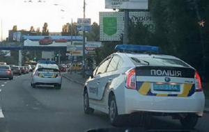 В сети появилось видео перестрелки киевских полицейских с пьяными правонарушителями