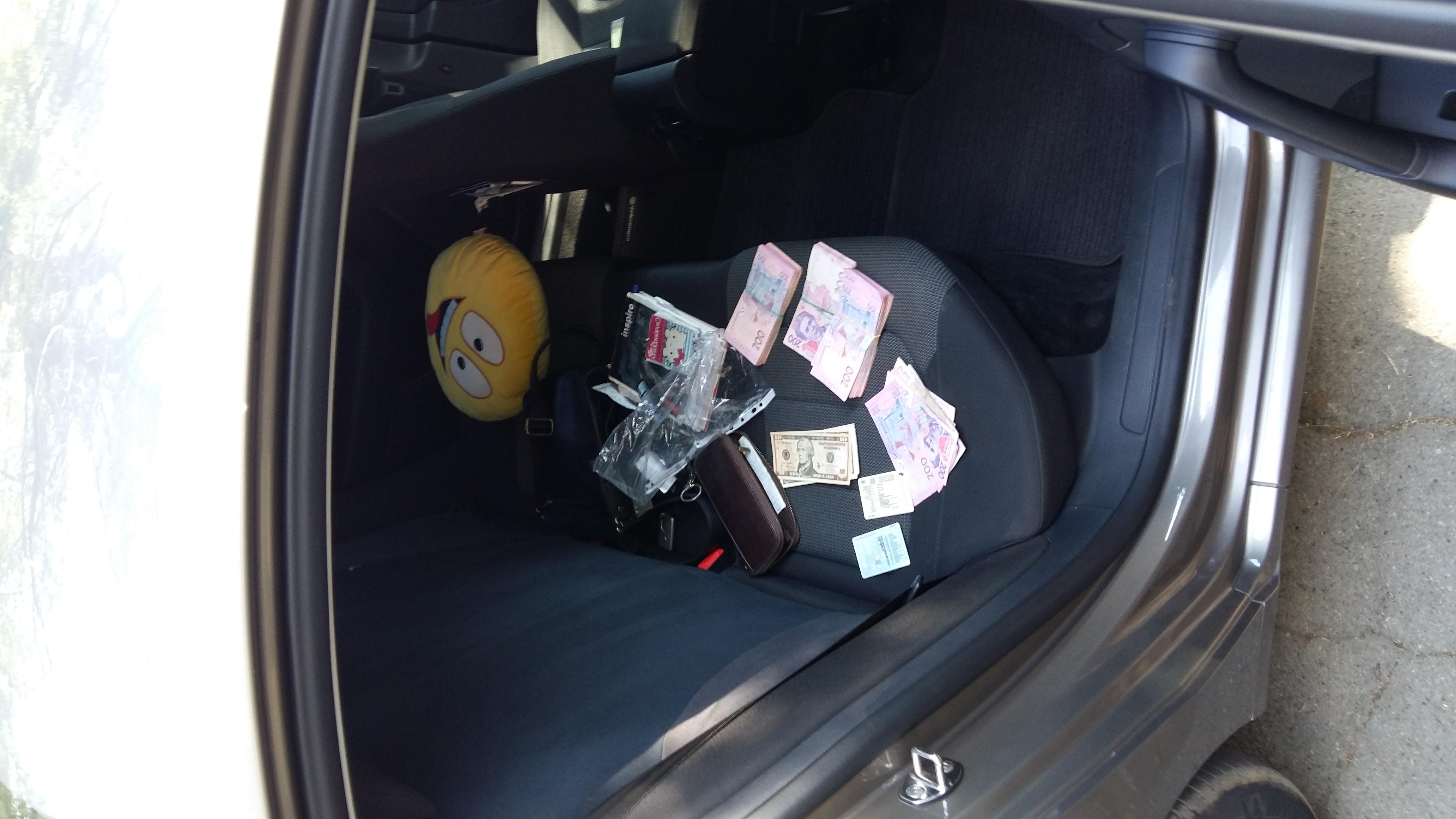 СБУ задержала на крупной взятке запорожских правоохранителей