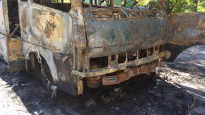 В сети появились фото сгоревшего автобуса бойцов в Запорожье
