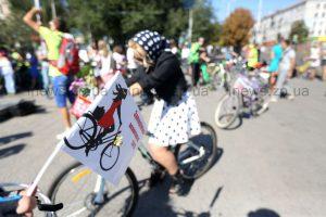 Как в Запорожье женский велопарад проходил
