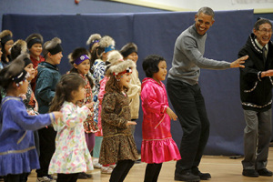 Как президент США танец юпикских народов учил