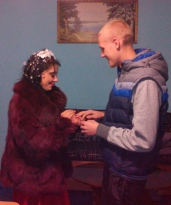 В запорожской колонии сыграли сразу две свадьбы