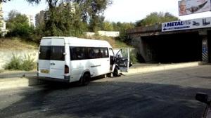 В сети появилось видео очередной аварии с запорожской маршруткой