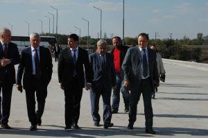 Фоторепортаж: как депутаты ВР на запорожские мосты ездили