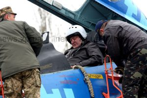 Президент и Запорожье в фотографиях: сегодня и год назад