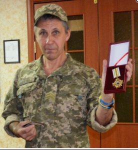 Бойца из Запорожской области наградили медалью «За оборону Мариуполя»