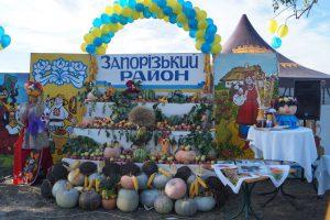 На Покровскую ярмарку привезли 400 тонн продуктов