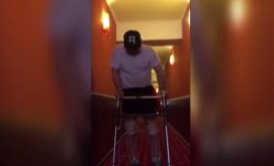 Харьковский мэр выложил в сеть видео, на котором показал, как учится ходить