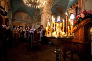 Сегодня во всех храмах УПЦ будут молиться о защитниках Отечества