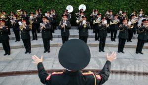 Запорожские бойцы просят денег на форму для оркестра