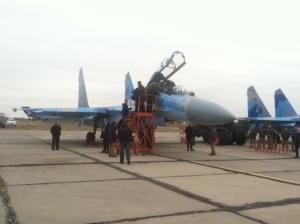 СУ-27 прошел испытание: Президент совершил полет над запорожским аэропортом