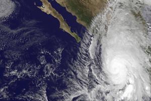 НАСА выложило в сети видео и фото урагана тысячелетия