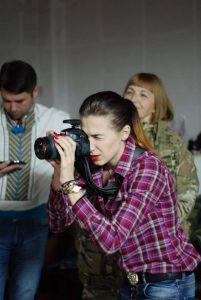 Как в Запорожье создают календарь с волонтерами и солдатами ВСУ