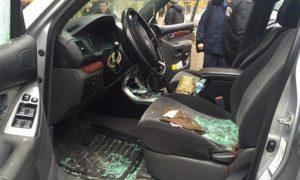 В Киеве неизвестные стреляли по внедорожнику: есть раненый