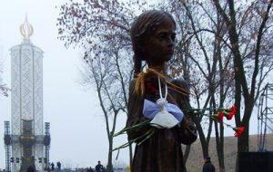 Украина сегодня чтит память жертв голодоморов