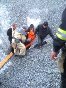 ЧП в Запорожье: молодого парня засыпало щебнем