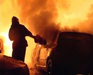 После ДТП в Запорожской области в автомобиле заживо едва не сгорели 5 человек