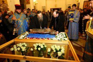 В Запорожье крестным ходом мира прибыла икона мирового православия