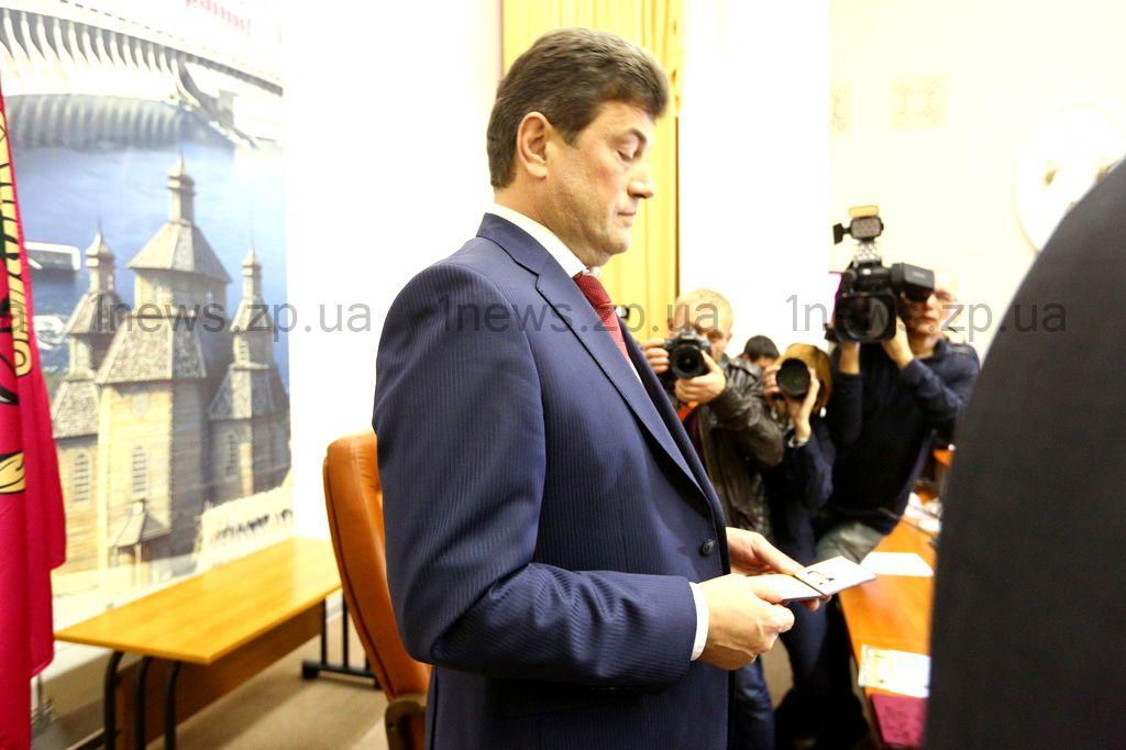 В Запорожье появилась городская власть: новый мэр пообещал работать честно и рассказал, чему хочет научиться