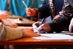 Второй тур: как запорожцы идут на выборы - фоторепортаж