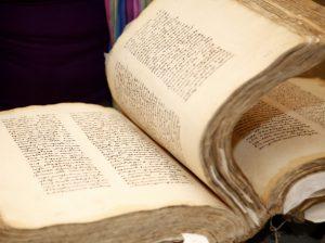 Запорожцы передадут Книгу соболезнований во Францию