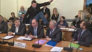 Депутатов-драчунов накажут суровой ответственностью