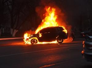 Жителю Энергодара ночью подожгли авто