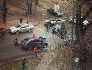 Очевидцы выложили в сеть фото аварии в центре Запорожья