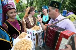 Татары приглашают запорожцев на Сабантуй