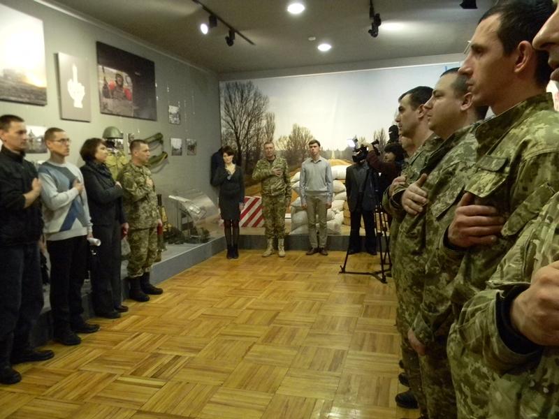 Запорожские бойцы, прошедшие сквозь ад, получили удостоверения и награды