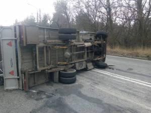 Под Запорожьем грузовик перекрыл трассу