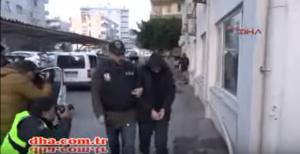 В сети появилось видео задержания россиян турецкими силовиками