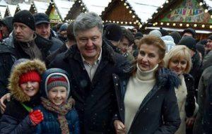 Порошенко показал видео празднования Рождества во Львове