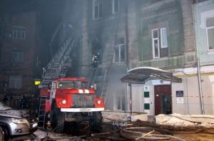 В Киеве более 6 часов тушили крупный пожар