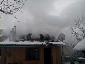 В Ленинском районе Запорожья горел жилой дом