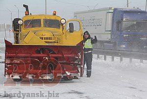 Участок трассы между Васильевкой и Запорожьем перекрыт
