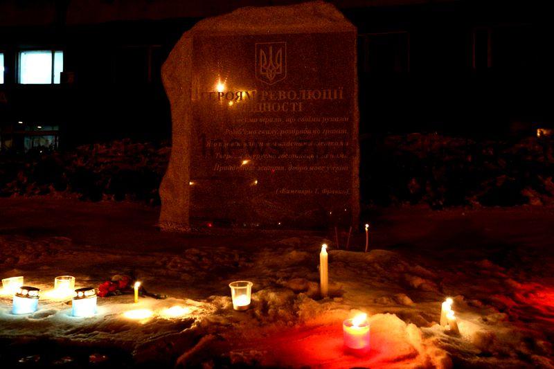Запорожцы зажгли свечи в память о разгоне Майдана