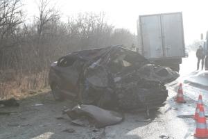 Запорожские спасатели показали фото жуткой аварии на трассе