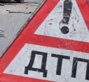 В Энергодаре пьяный водитель столкнулся с автобусом и въехал в электроопору