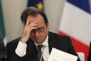 Во Франции вводят чрезвычайное положение