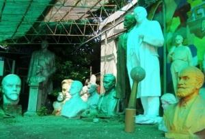 В Запорожье могут создать музей для «люстрированных» памятников